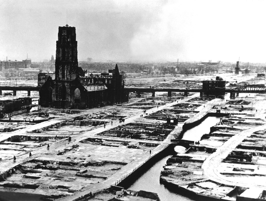Rotterdam's city centre after the bombing, 1940