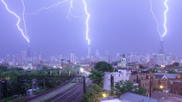 The three tallest buildings of Chicago getting hit by lightning at the same time