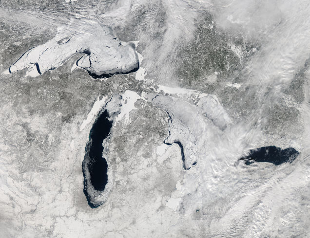 The worst freeze of Great Lakes in 20 years
