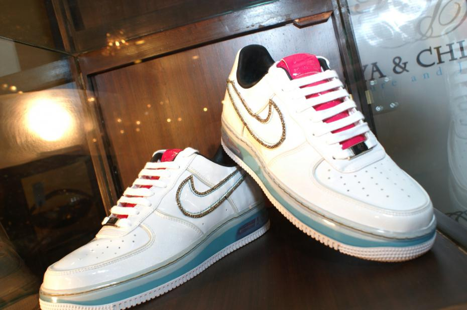 Diamond-studded Air Force 1 by Nike – Lazy Penguins 6aeebbd16