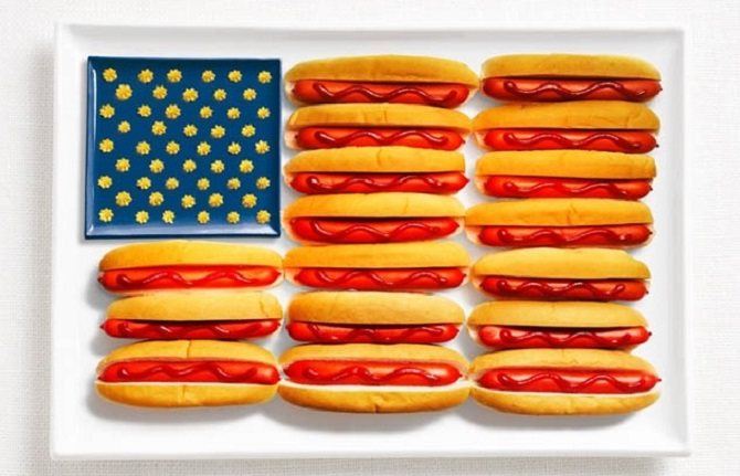 USA - Hot dogs and mustard