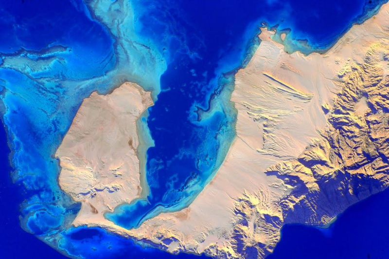 Names don't need to make sense - this very blue body of water is the Red Sea in Greek and the Green Space in Egyptian