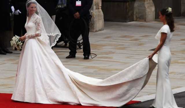 Kate Middleton's impressive wedding dress by Sarah Burton