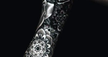detailed-men-flower-tattoo