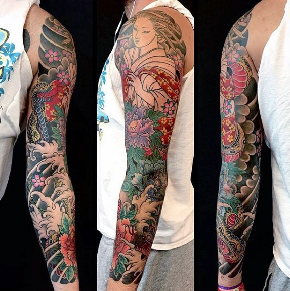 awesome-guys-full-sleeve-japanese-flower-tattoo-ideas