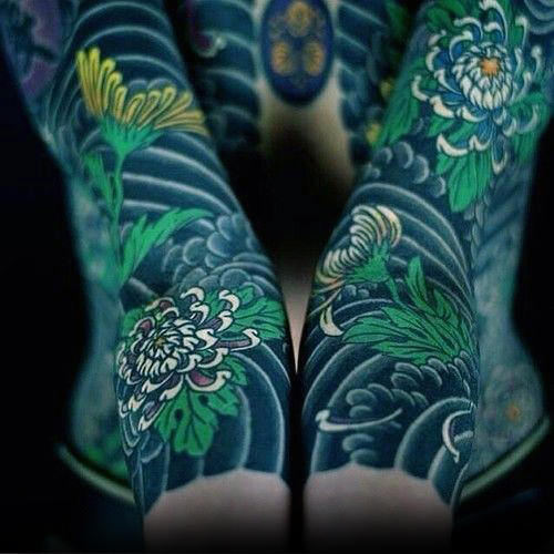 green-flowers-with-shaded-clouds-mens-japanese-sleeve-tattoo-ideas