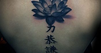 3d-guys-lotus-flower-back-tattoos