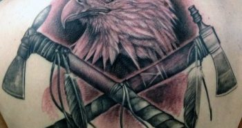 half-back-mens-tattoo-of-native-american-tomahawks-with-bald-eagle-design