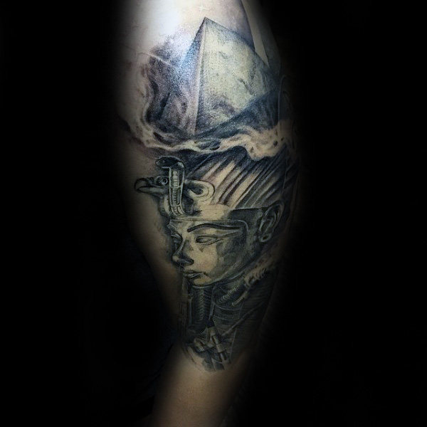 pyraminds-with-king-tut-male-upper-arm-shaded-tattoo-ideas