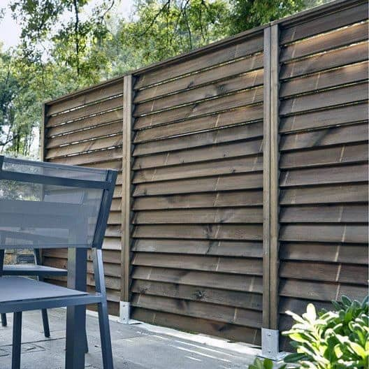 angled-wood-boards-privacy-fence