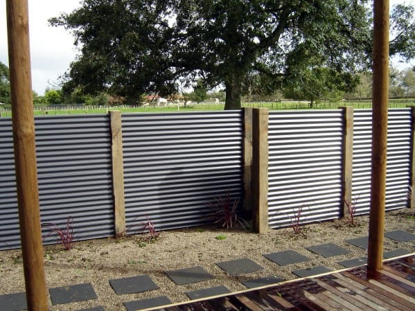 contemporary-home-design-ideas-corrugated-steel-privacy-fence