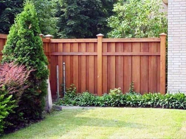 wood-backyard-privacy-fence-design-ideas