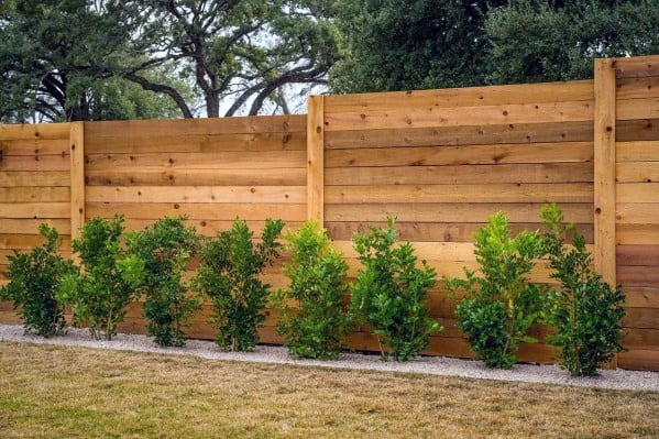 wood-board-ideas-for-privacy-fence-backyard